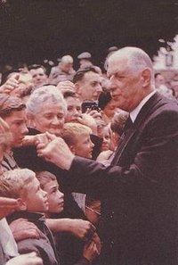 1959年1月8日戴高乐将军就任法兰西第五共和国首任总统
