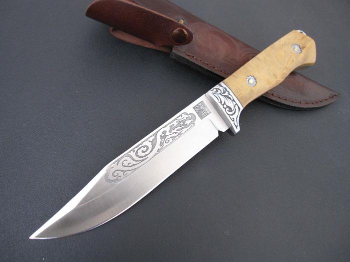 匕首短小锋利,携带方便,是近距离搏斗的有效武器.