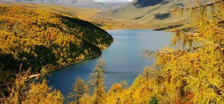 康定情歌风景区位于甘孜藏族自治州首府康定县北部境内,属贡嘎山国家